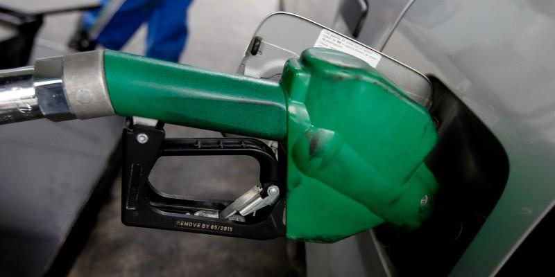 Este jueves volverá a bajar el precio de las bencinas