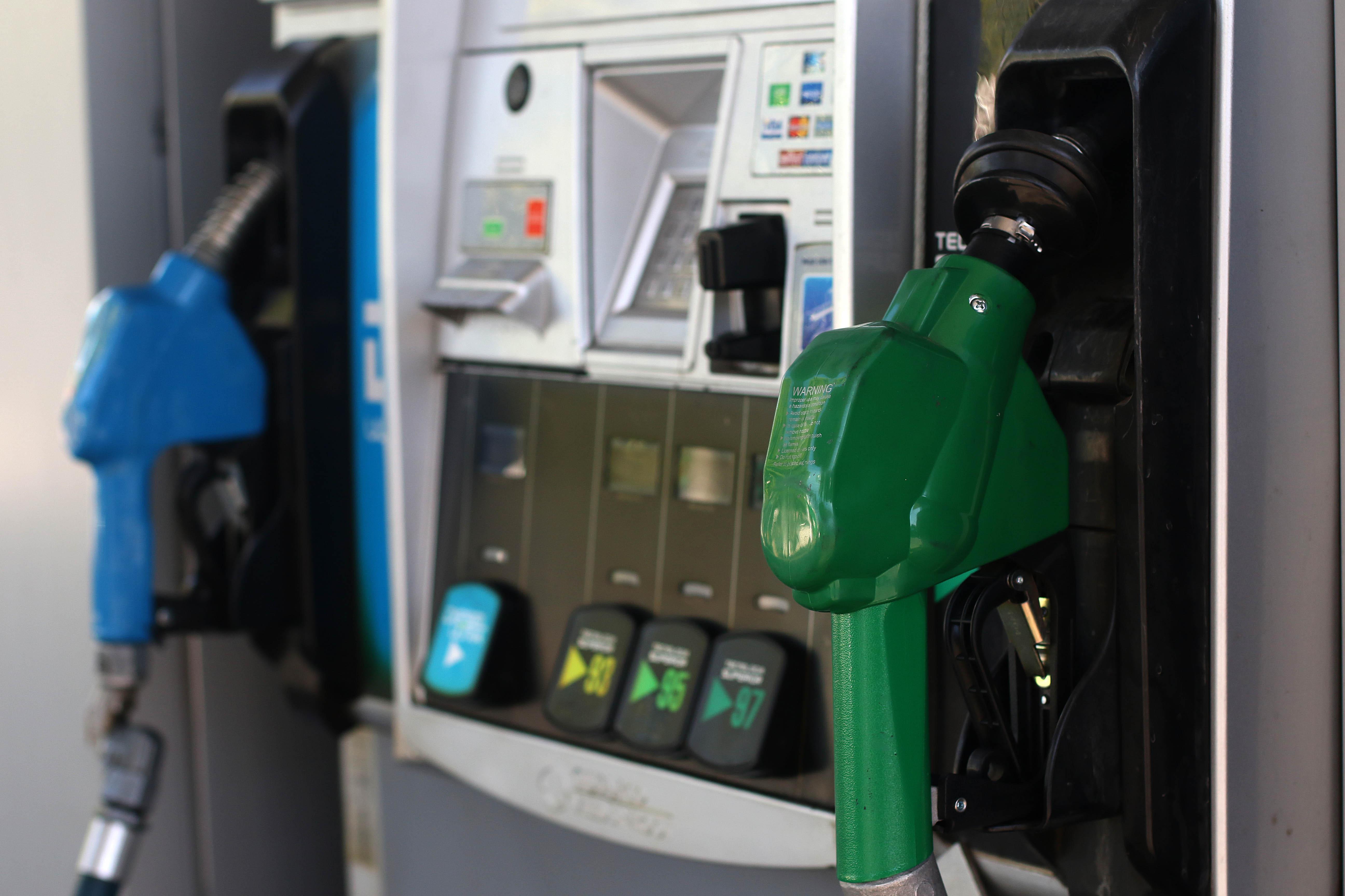 Parafina y gasolinas subirán de precio desde este jueves