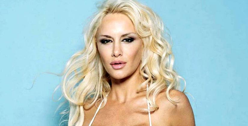 Luciana salazar desnuda topless images 51